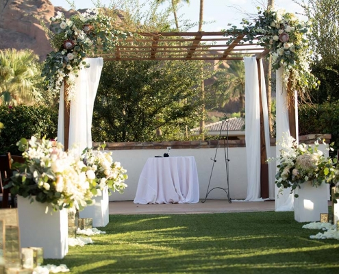 IE Contemporary Garden Wedding